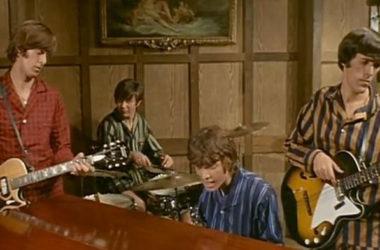 Ghost Goes Gear (1966)