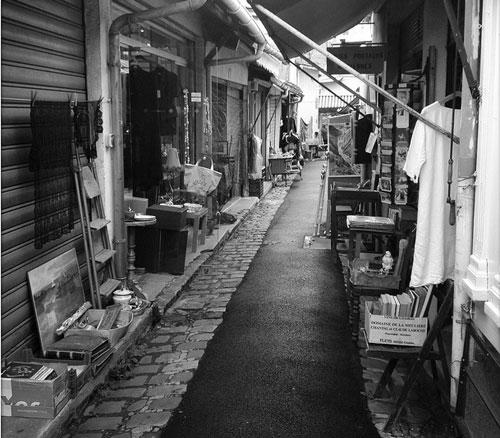Puces de Saint Ouen flea market