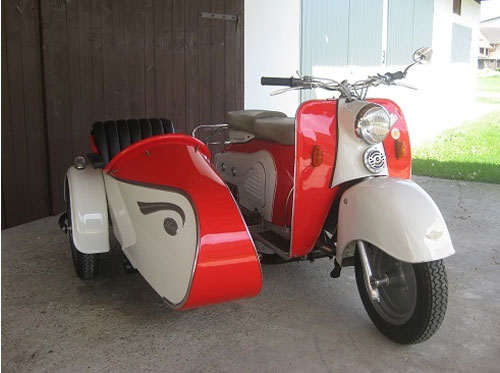 Vintage scooter being auctioned on eBay