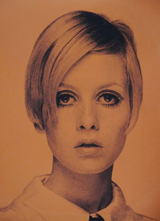 Limited edition Twiggy I and Twiggy II signed silkscreen prints by David Studwell