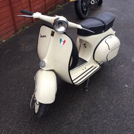 1964 Vespa VBB scooter