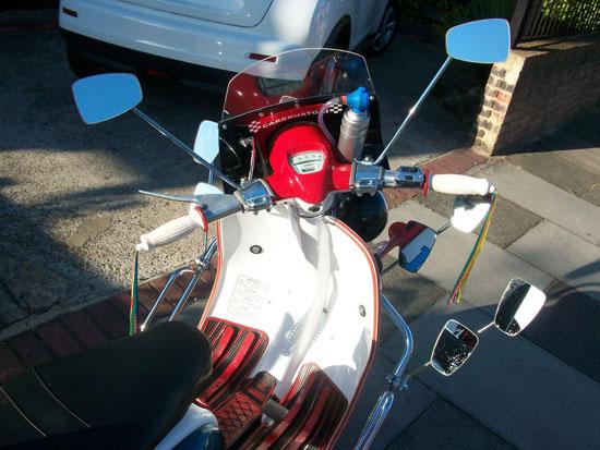Quadrophenia replica Lambretta Li 125 scooter signed by Phil Daniels