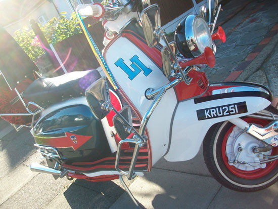 Quadrophenia replica Lambretta Li 125 scooter signed by Phil Daniels