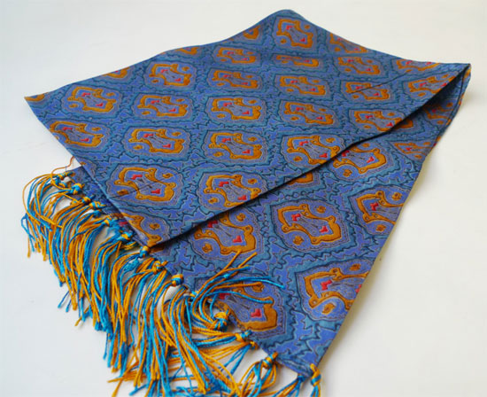 Jump The Gun classic 1960s scarves