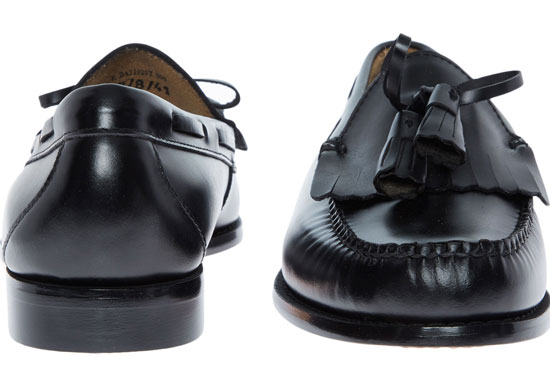 Heavily discounted Bass Weejuns loafers at TK Maxx online