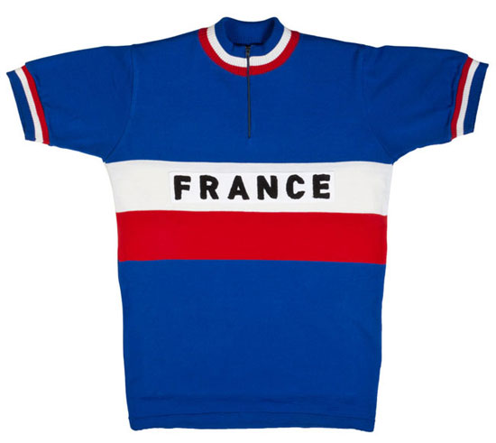 Vintage-style cycling clothing by Tiralento