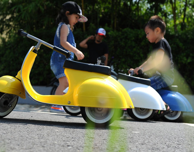 26. Primo Vespa-style scooter for kids by Ambosstoys